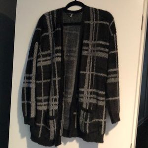 1 state black and grey plaid open cardigan size S.